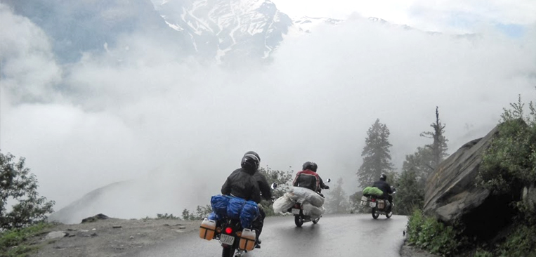 rohtang-pass-to-ladakh