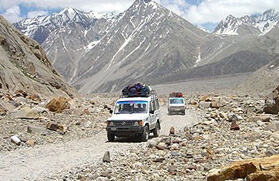 Manali - Leh Jeep Safari Tour